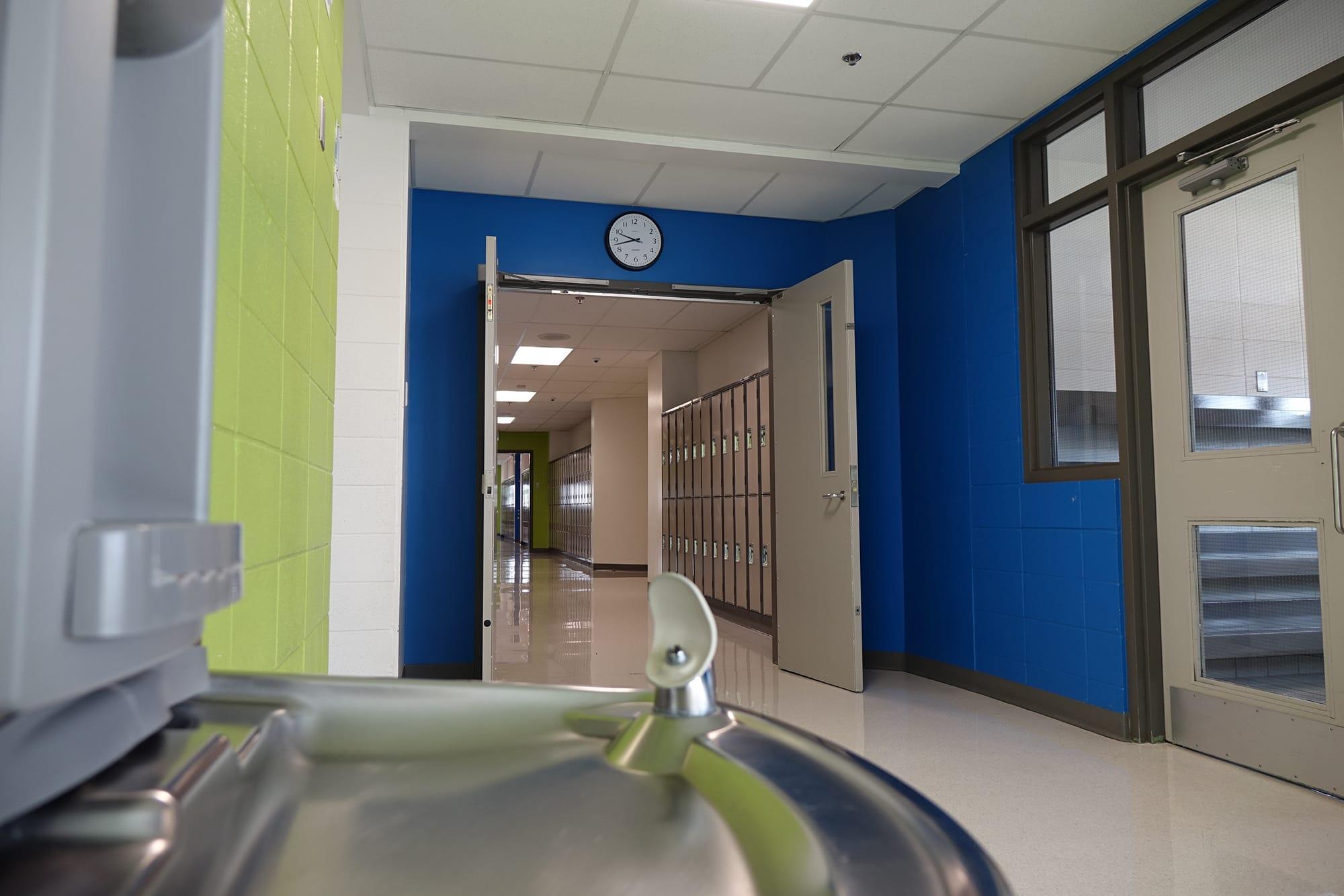 École Montrose Junior High School interior